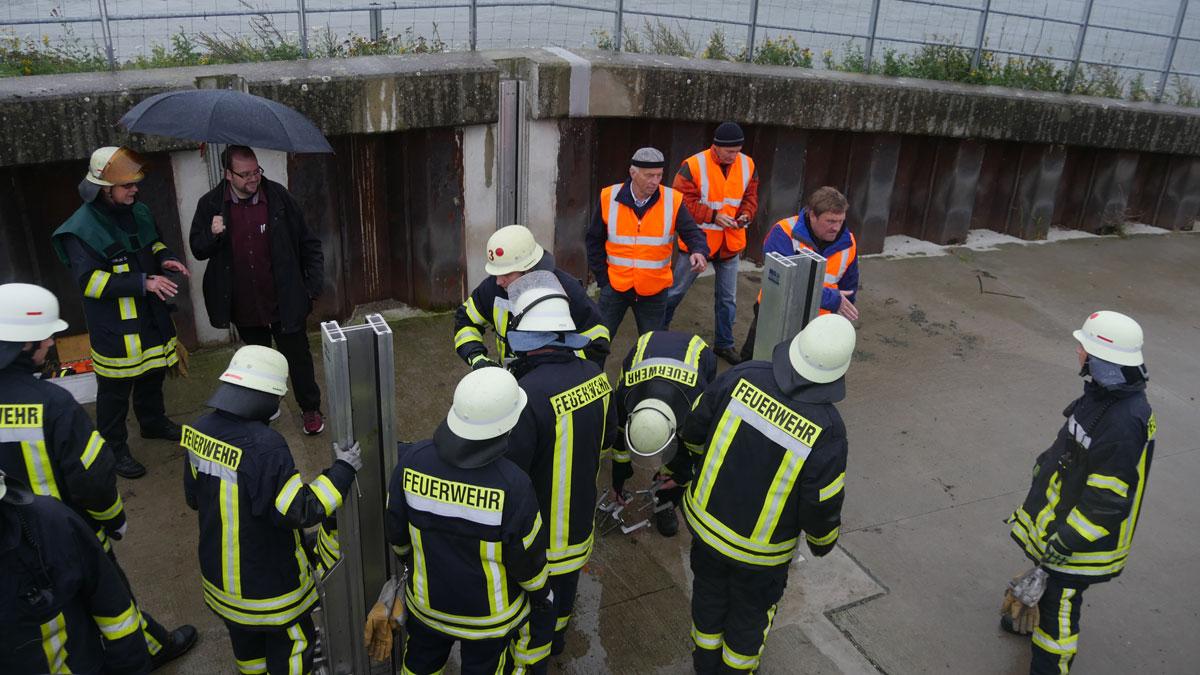 Impressionen der Jahresübung aller Einheiten der Feuerwehr Voerde