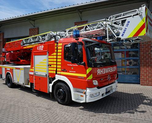 Feuerwehr Voerde Niederrhein Drehleiter