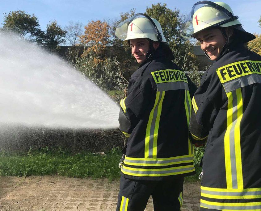 Grundausbildung Teil 1 der Feuerwehr Voerde