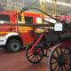 """Der neue LF20 und der """"Alte Heinrich"""": das allererste und das aktuellste Feuerwehrfahrzeug aus Spellen auf einem Bild"""